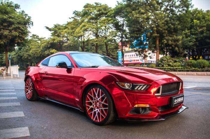 车身改色贴膜与汽车全车漆面改色喷漆哪个好?